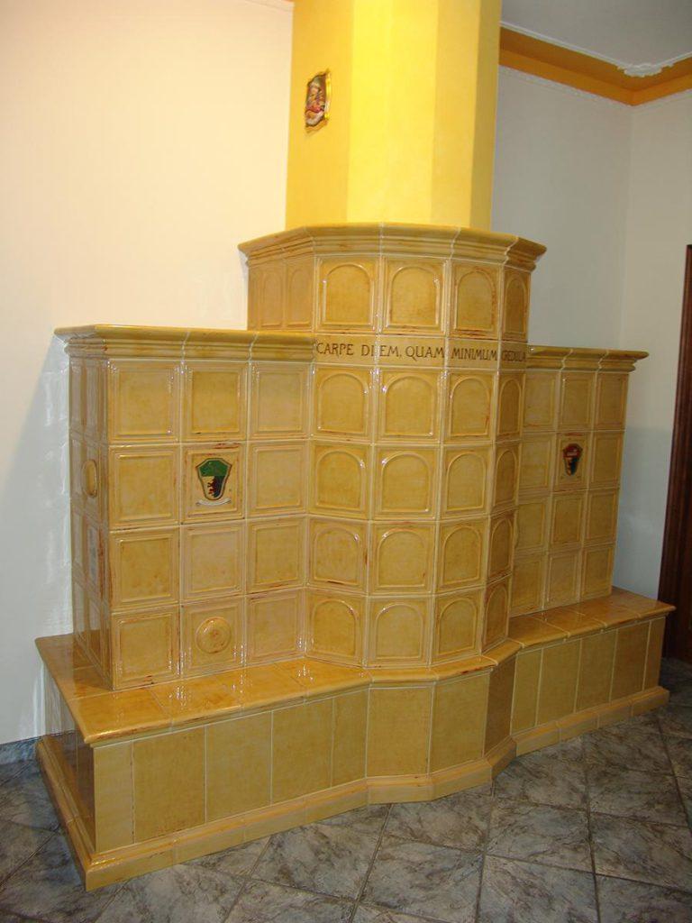 Beccaccia stufa in maiolica a parete 002