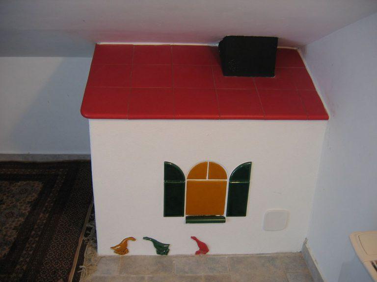 Casa stufa in maiolica particolare 002