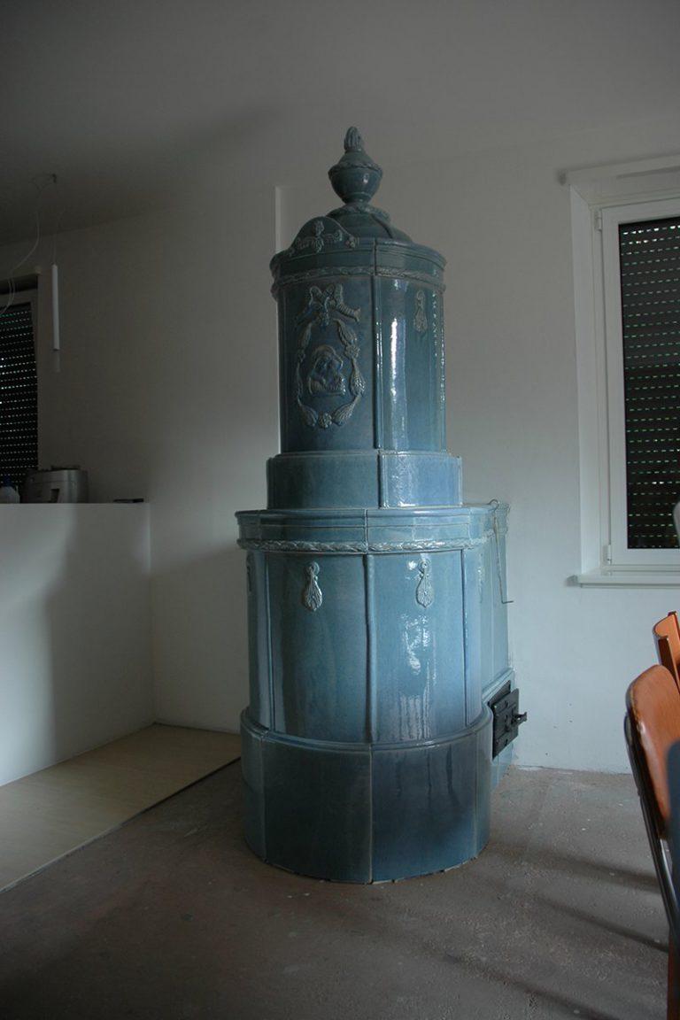 Castel stufa in maiolica vecchia maniera 002
