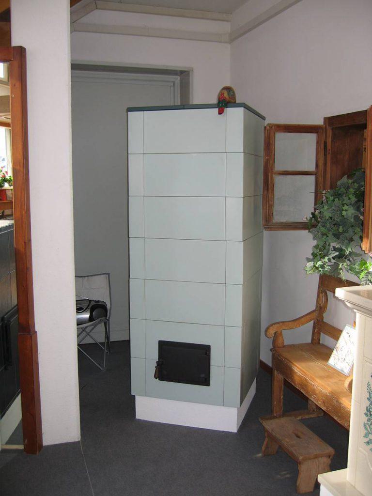 Cube stufa in maiolica moderna 001
