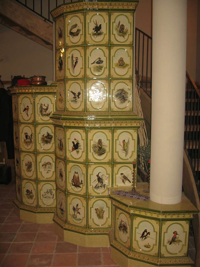 Giaveno stufa in maiolica vecchia maniera colorata 001