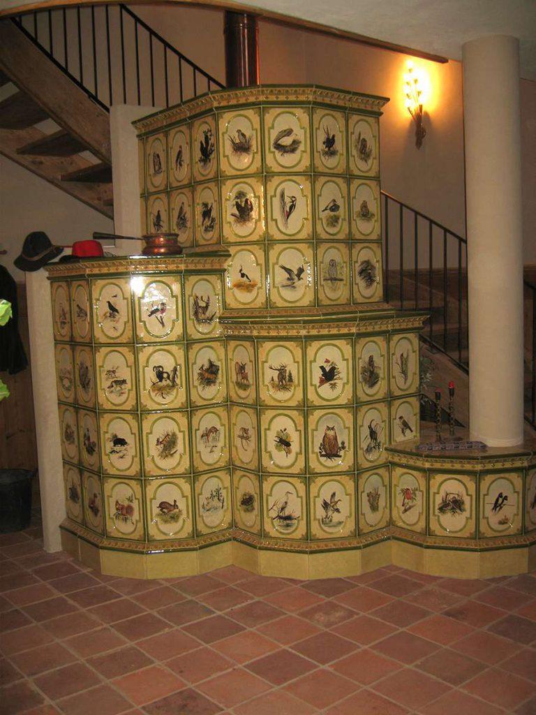Giaveno stufa in maiolica vecchia maniera colorata 002