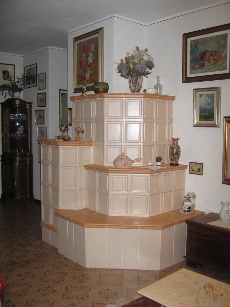 Zanoni stufa in maiolica a parete 010